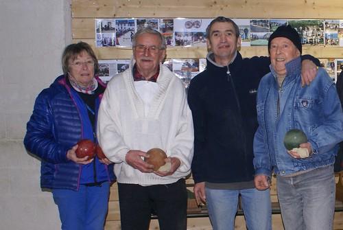 16/01/2016 - Plougasnou : Les finalistes du concours de boules plombées en doublettes formées