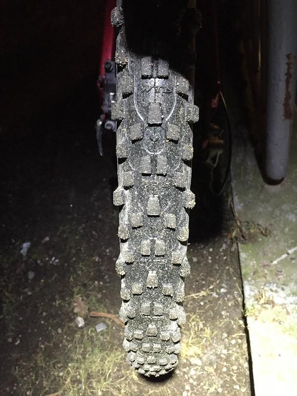 Maastopyörän normirengas