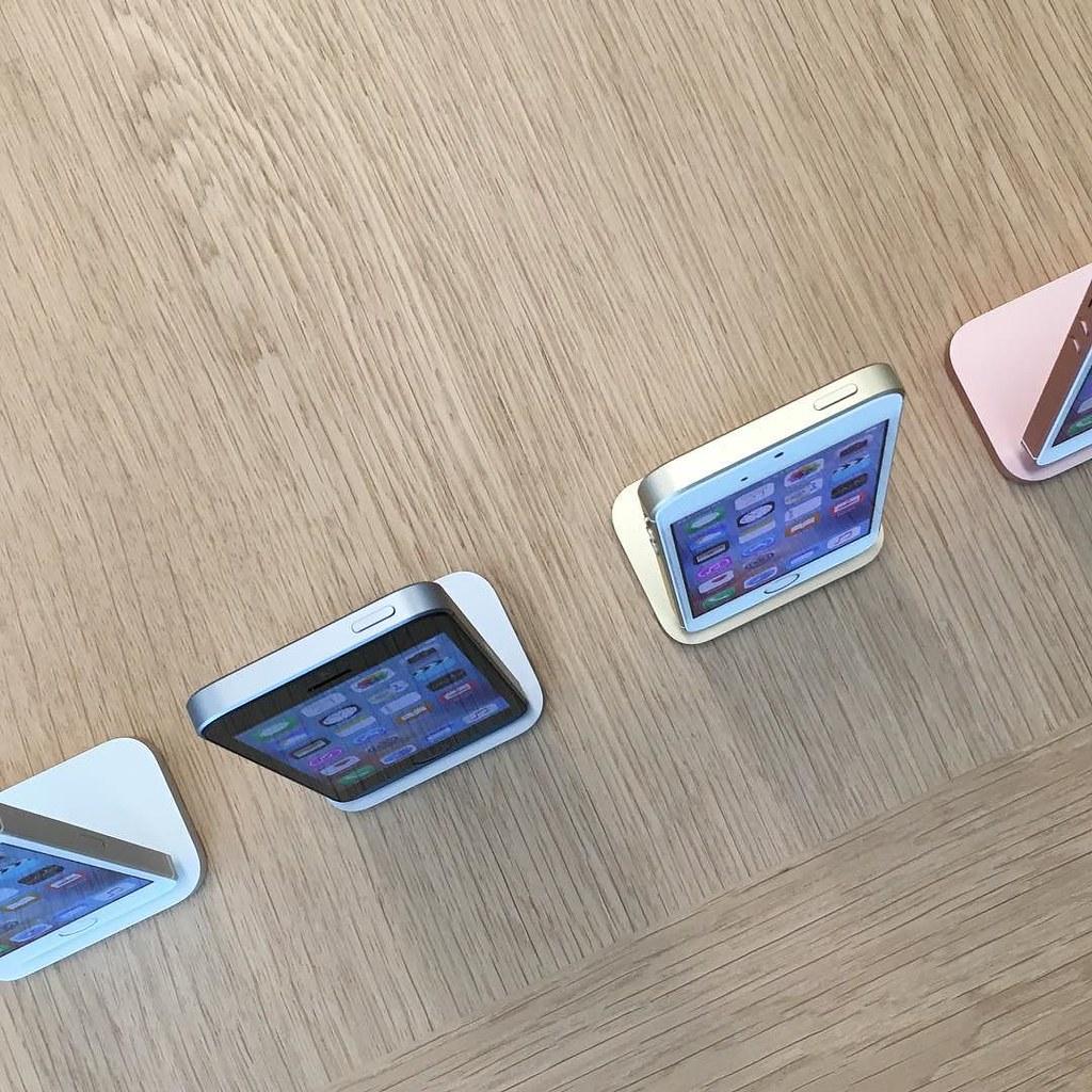 Iphone Se Back Tempered Glab