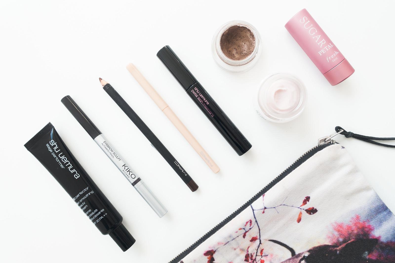 A Minimalist Make-up Bag