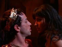 Зена и Калигула
