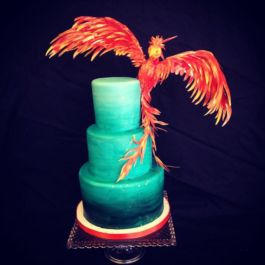 Flying Phoen... Ombre Cake
