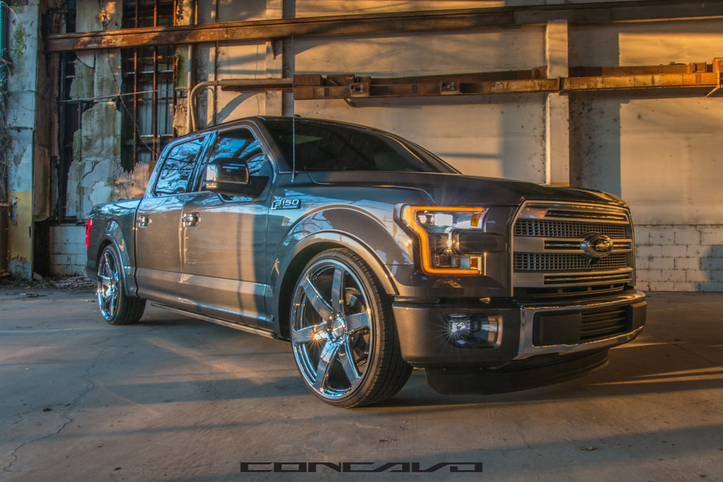 "Ford F150 Platinum on 26"" CW6 Chrome 