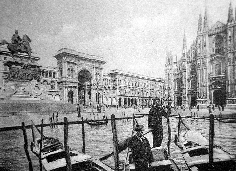 Piazza Duomo prima della chiusura dei navigli. (pesce d'aprile)
