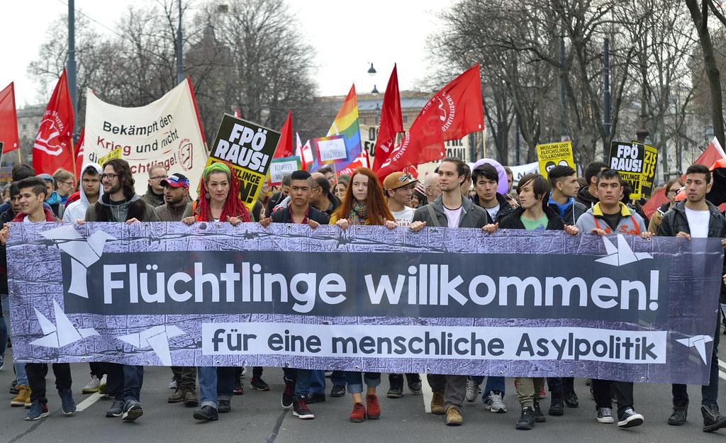 "Demo Wien Photo: Demo Gegen Asylpolitik Und ""Festung Europa"" In #Wien"