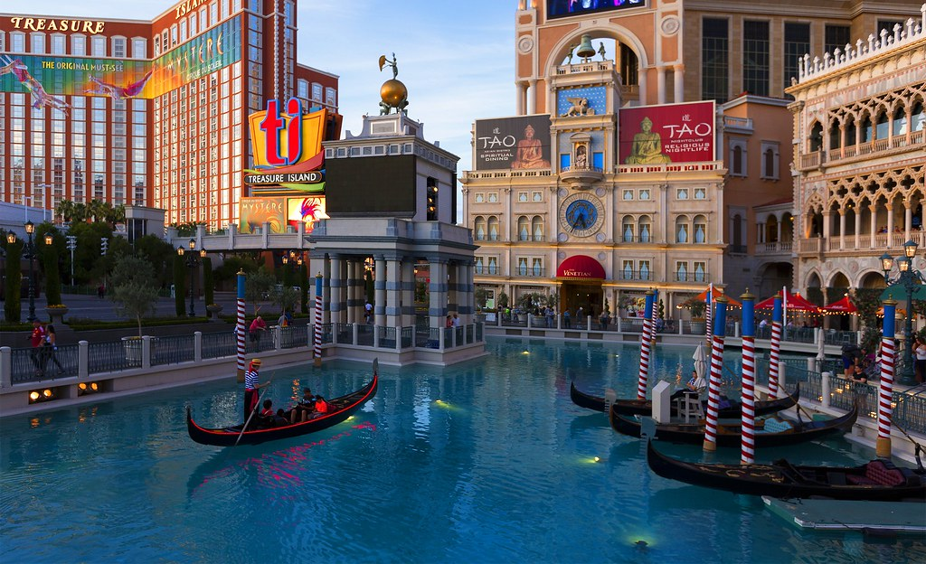 Best Hotels In Vegas For College Students