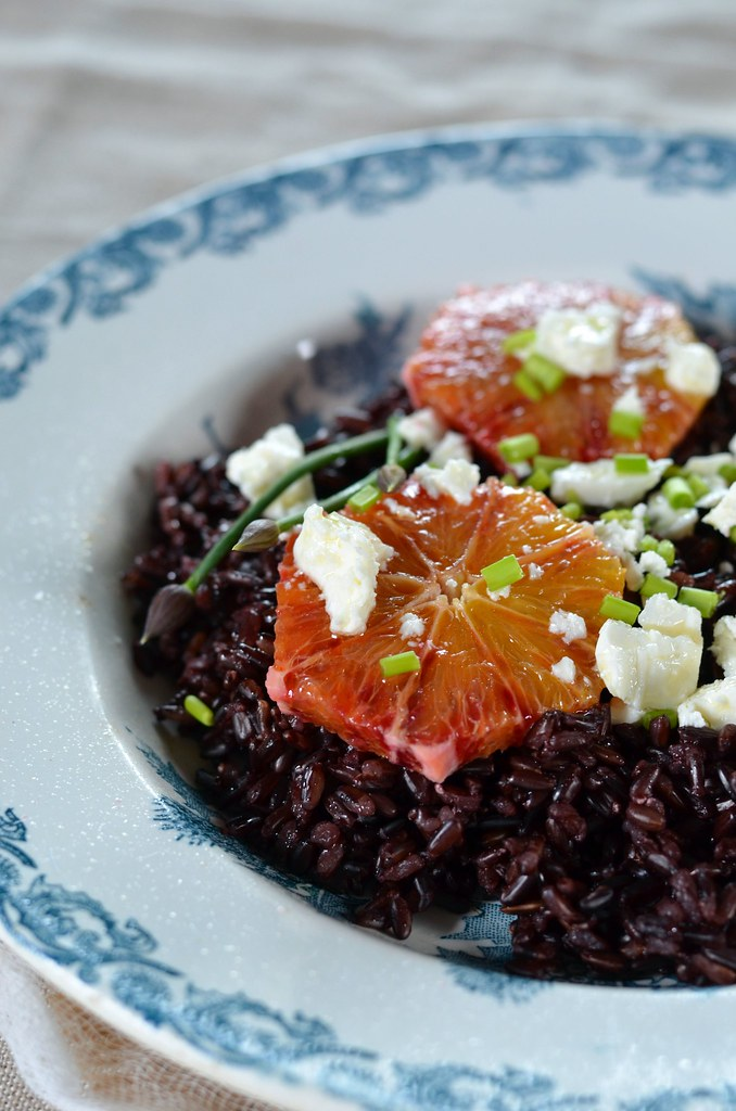 salade de riz noir la feta et orange sanguine recette. Black Bedroom Furniture Sets. Home Design Ideas