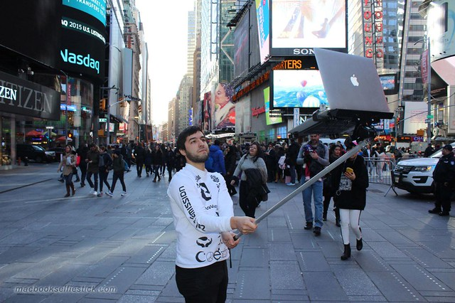 palo-selfie-MacBook.jpg