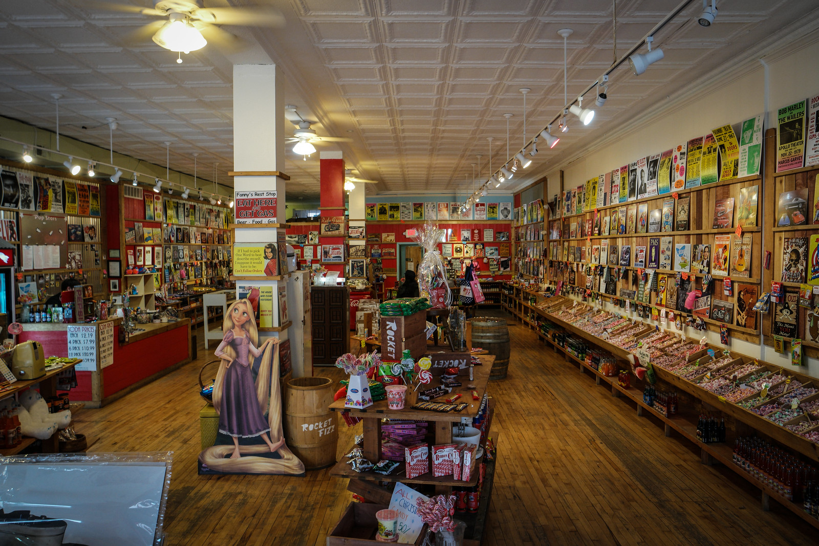 "Old Time Candy Shop in ""The Loop"""