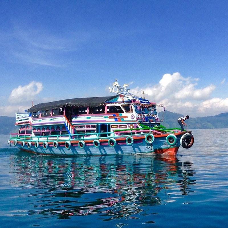 4-boat-via--h.y.d.e