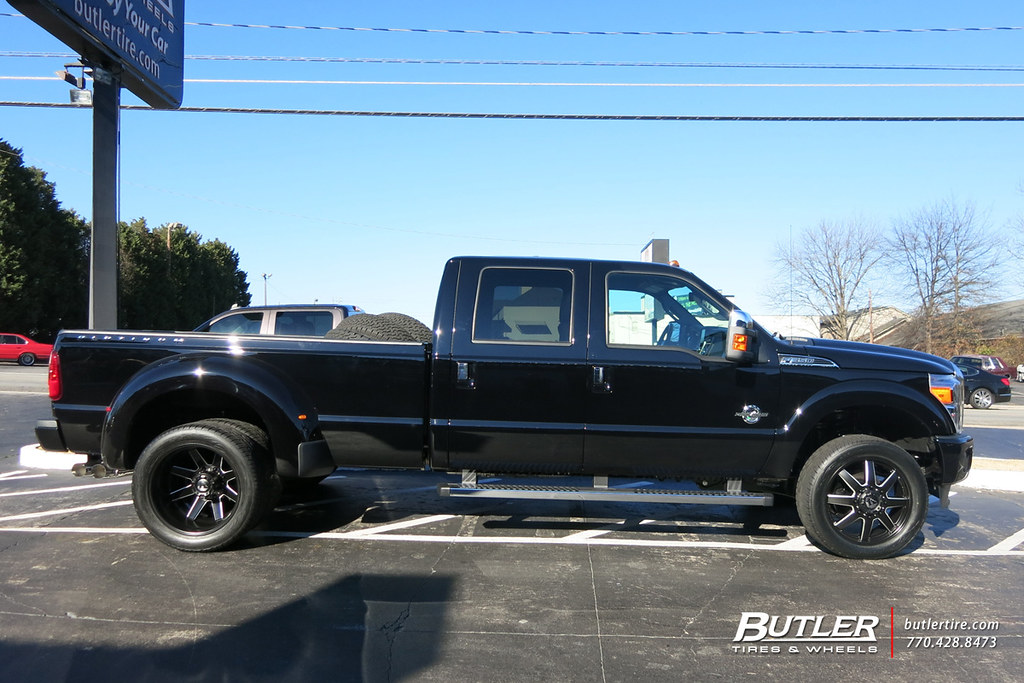 Ford F350 Dually With 22in Fuel Maverick Dually Wheels And