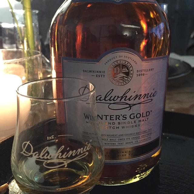 Dalwhinnie Winter's Gold kommt aus der höchsten und kältesten Destille Schottlands. Wird nur im Winter hergestellt. #Dalwhinnie #Diageo #instager #instafood #muenchen #cocktail #overnight #whiskytime #whiskynight #cocktailtime #whiskycocktails #whisky #w