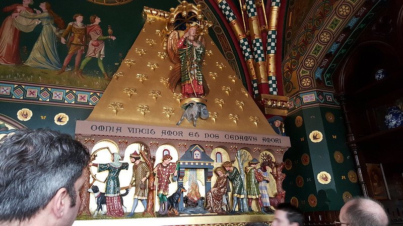 Spot the green eyed monster. Cardiff Castle.
