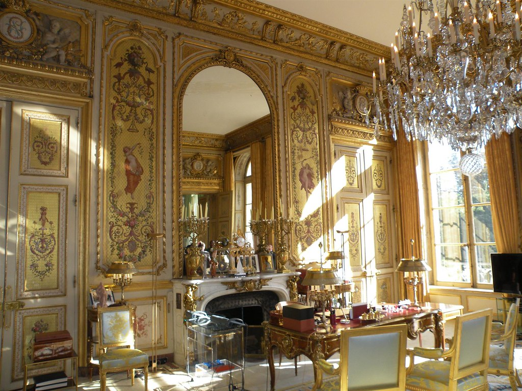 The Salon doré (Golden Room), office of the President of the French Republic. Image credit Chatsam.