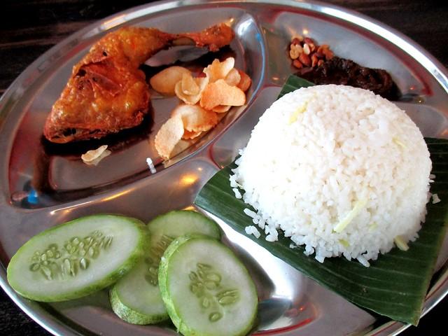 Islamic Nyonya Kafe, nasi lemak