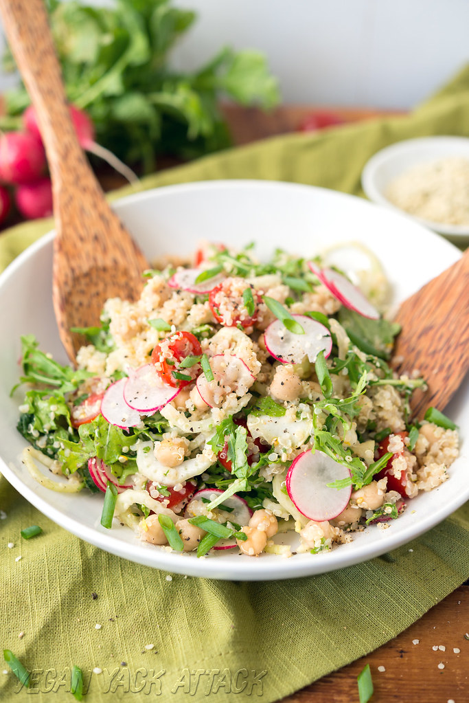 Quinoa Fennel Chickpea Salad - Healthy, easy, and delicious! #vegan #glutenfree