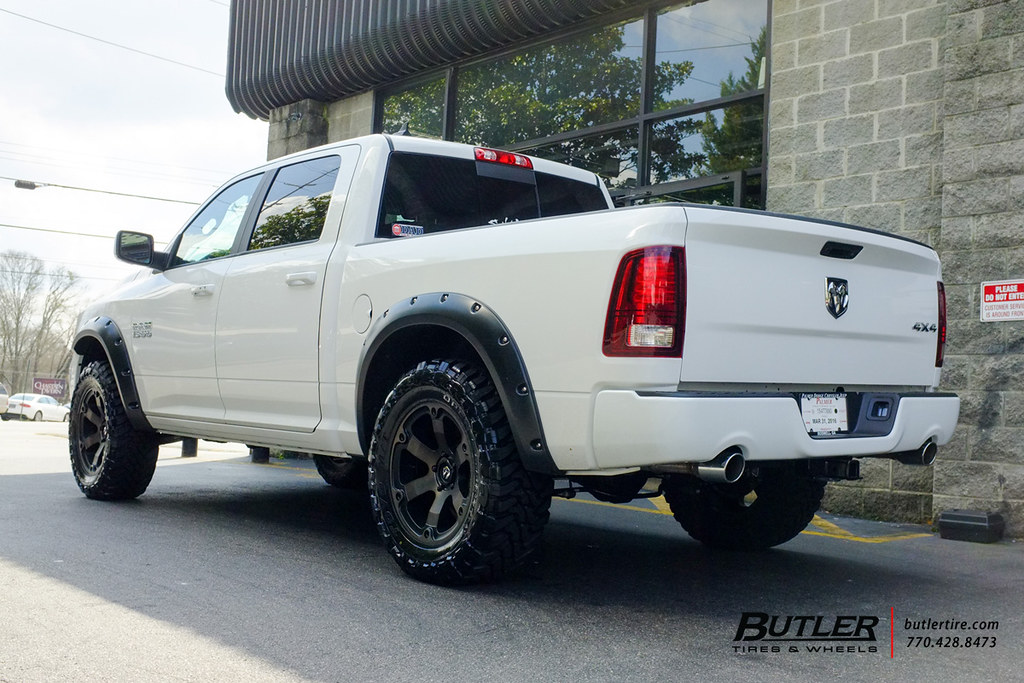 Dodge Ram 1500 With 20in Fuel Beast Wheels And Toyo Mt Tir