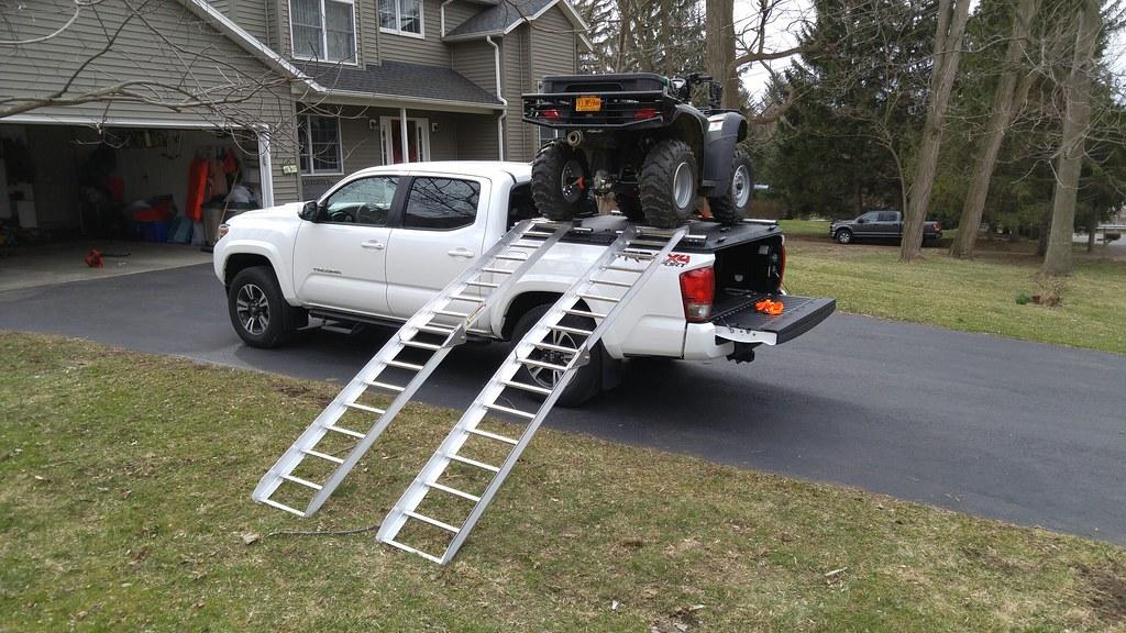 An ATV Hauler On A Toyota Tacoma432_resized | A DiamondBack … | Flickr