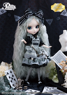 Monochrome Romantic Alice