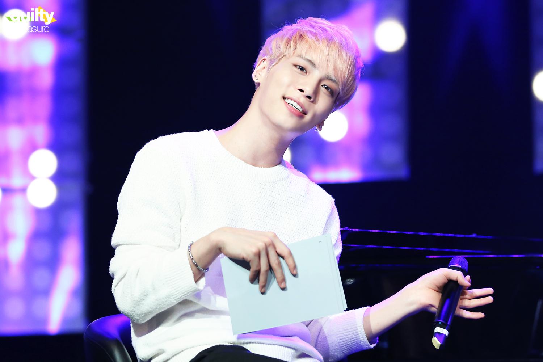 160426 Jonghyun @ MBC Live Concert - Blue Night 26089588904_32739a9952_o