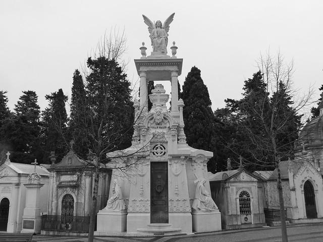 Tumba de Carvalho Monteiro en el Cementerio de los Placeres de Lisboa