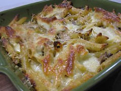 Penne baked with leeks