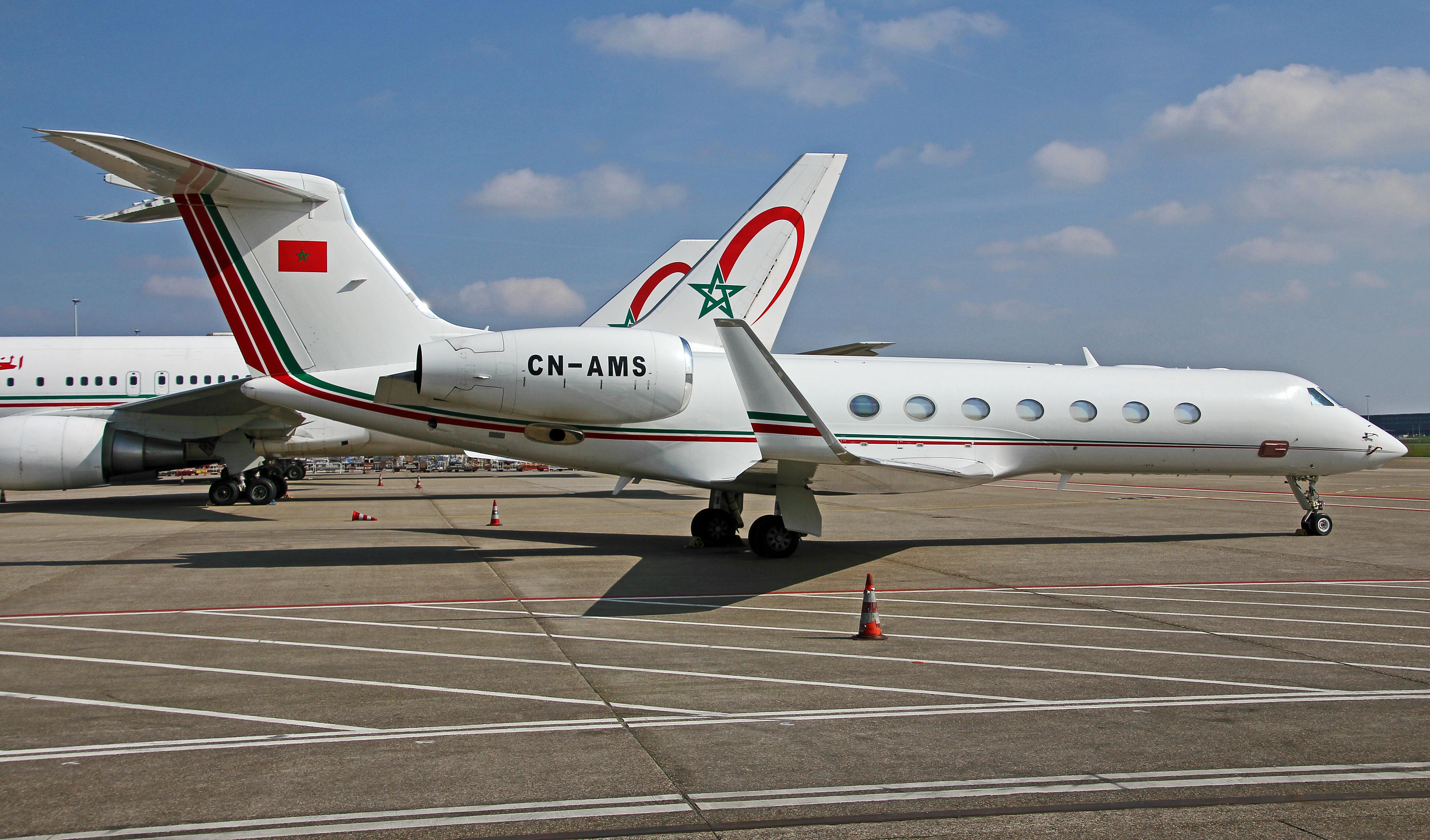FRA: Avions VIP, Liaison & ECM - Page 12 26049737205_f2390eb053_o