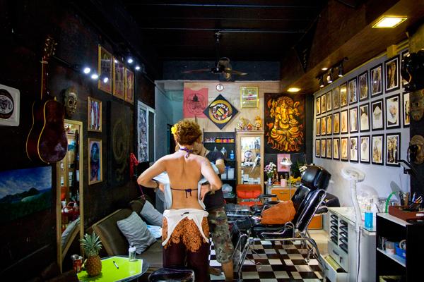 Tatuagem com bambu na Tailândia