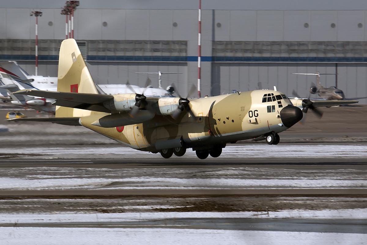 FRA: Photos d'avions de transport - Page 25 25722755075_531e6e1391_o