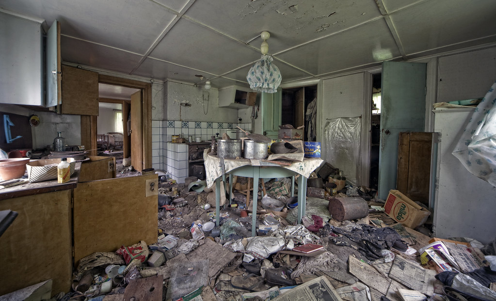 house of the old hoarder | Abandoned home in Sweden hidden ...