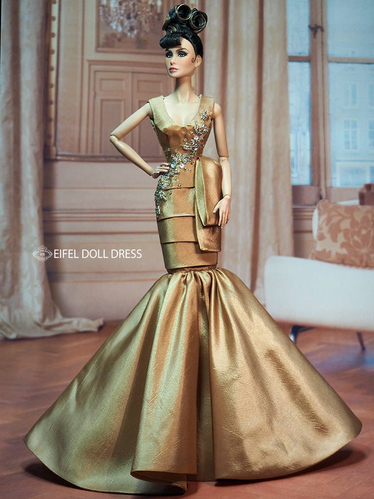 Fashion Dolls Desingsr Dresses