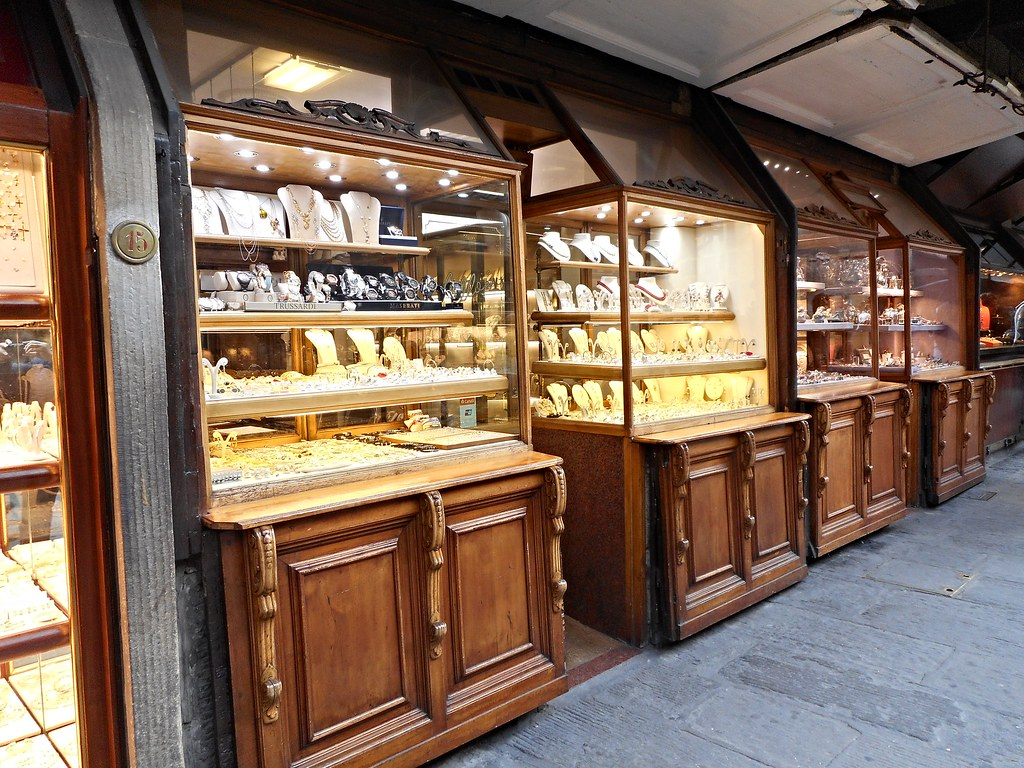 Jeweller's shops at Ponte Vecchio in Florence