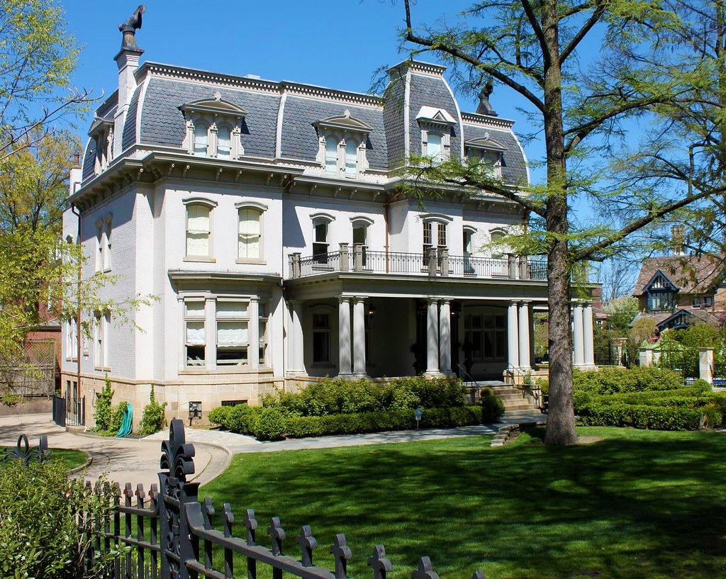 Paired pillars on Negley-Gwinner-Harter House, Bellefield, Pittsburgh, Pennsylvania. Image credit Joseph, flickr