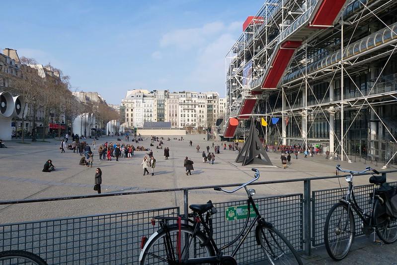 Pompidou plaza