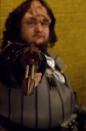 Klingon, with gun