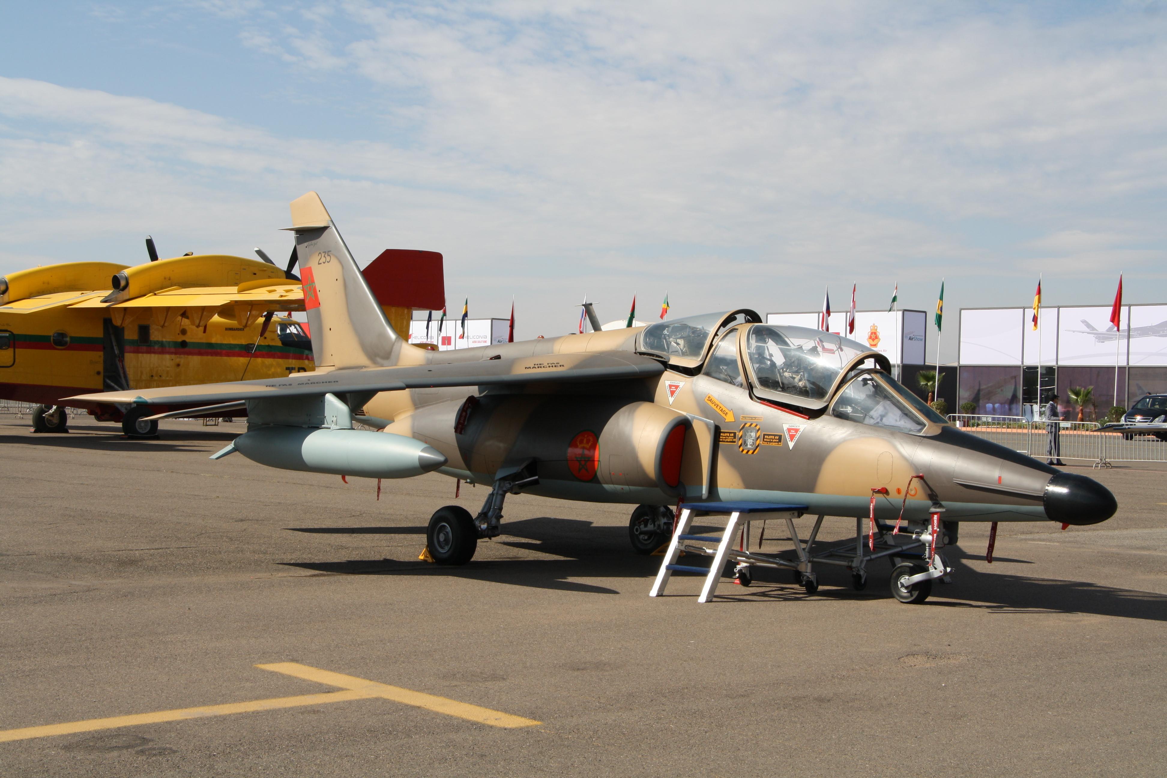 FRA: Photos avions d'entrainement et anti insurrection - Page 8 26640001442_ec69ebfe11_o