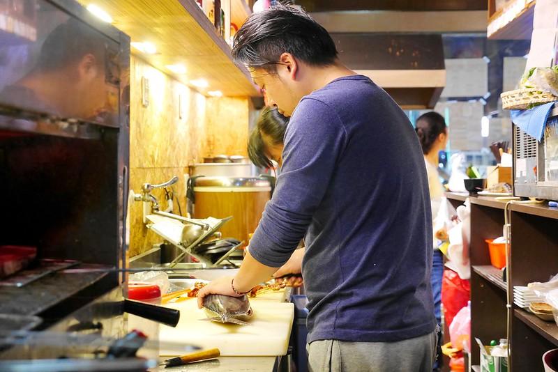 24444478552 9b119c04e9 c - 【熱血採訪】甜在興鮮魚丼啤酒│西區:千萬別隨便進來的深夜食堂~只要49元超值丼飯在這裡~宜蘭胭脂蝦握壽司兩吃最推薦 想吃鳗魚丼 刺身 龍蝦鍋物 烤泰國蝦通通有~