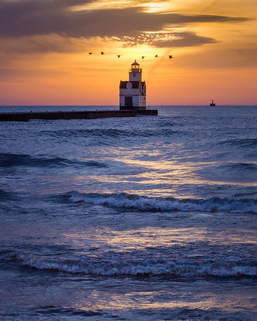 Lighthouse, Lake Michigan, Kewaunee, Sunrise, Waves, Sky