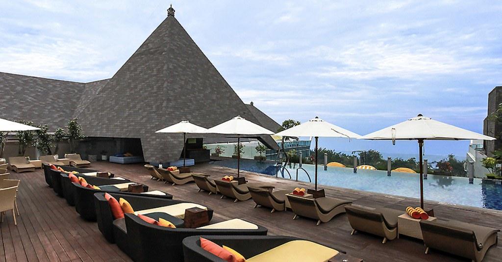 10 Hotel Asik Di Pinggir Pantai Bali Bawah 1 Juta
