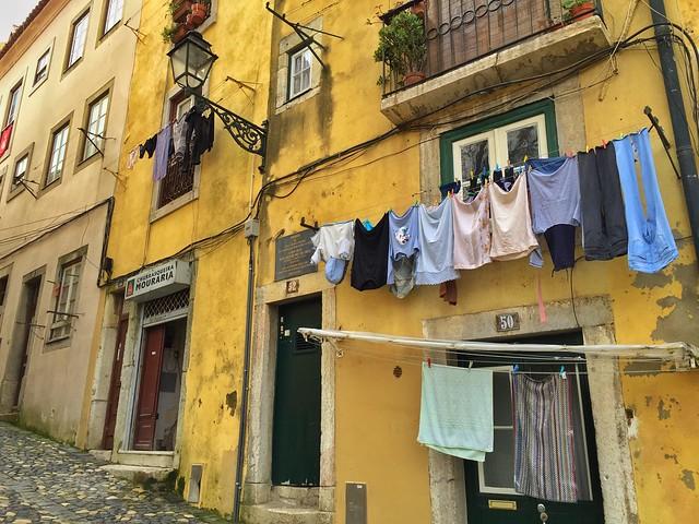 Fachadas del barrio de Mouraria (Lisboa)