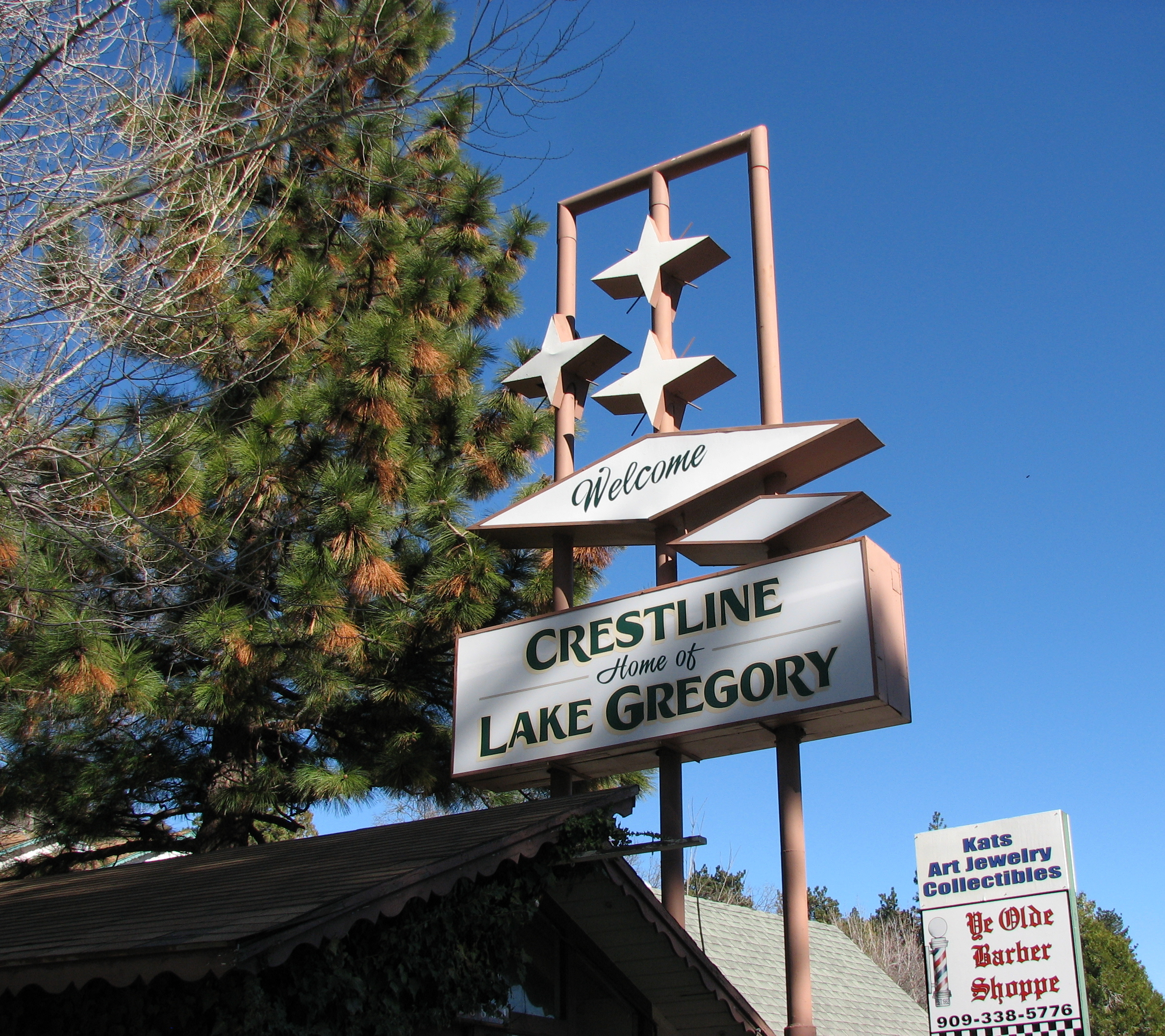 Googie-style sign - Crestline, California U.S.A. - December 25, 2015