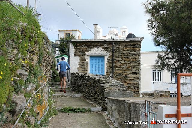 Το πέρασμα μέσα από γραφικά χωριά της εξοχής της Άνδρου χαρακτηρίζει τα πρώτα χιλιόμετρα του Andros Trail Race!