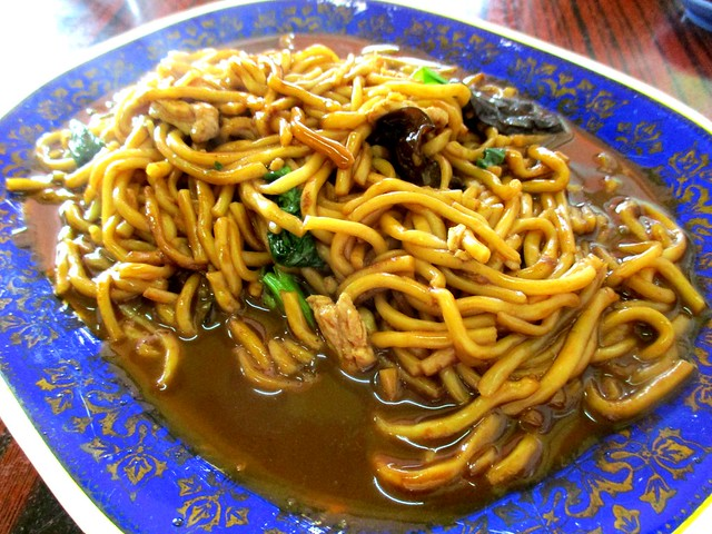 Friends Kopitian Foochow fried mee