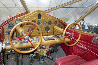Flight instruments: Stinson SR-10G Reliant