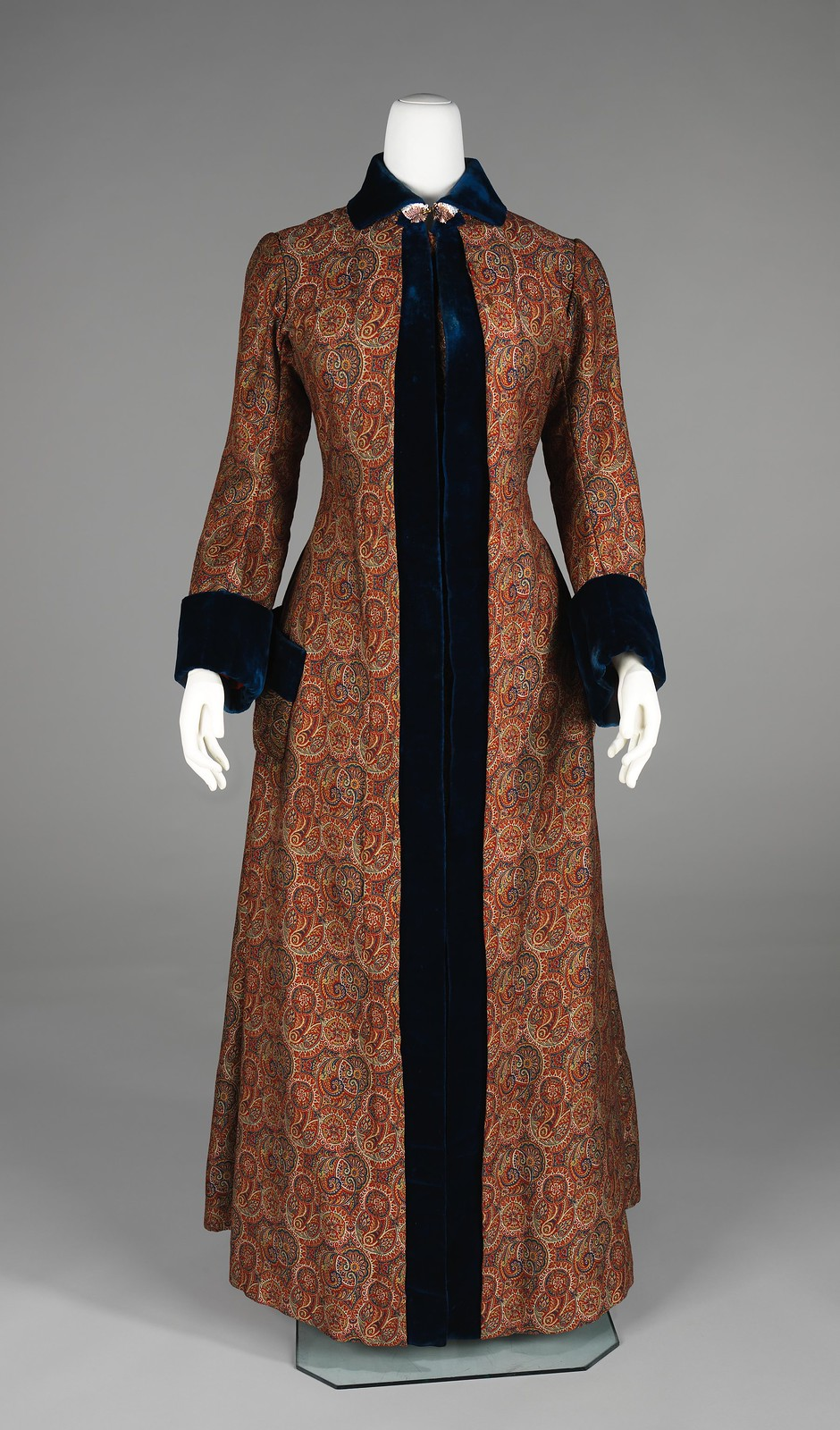 10 Exquisite Victorian Dressing Gowns — Slipping Into Something More ...