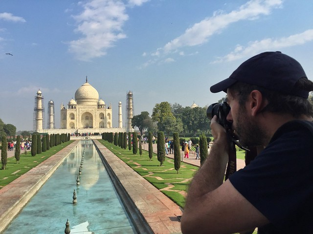 Víctor Alonso en el Taj Mahal (India)