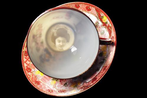 Lithophanie Tasse Tee Teetasse Teekultur Kunst japanisch Japan Porzellan Relief Reliefdarstellung Kopf Porträt Geisha Museum für Lithophanie The Blair Museum of Lithophanies Foto Brigitte Stolle Mannheim 2016