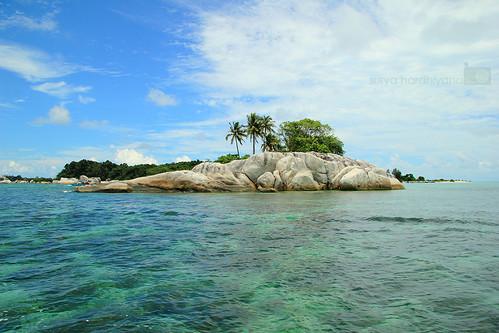 Pemandangan di sekitar pulau Belitung