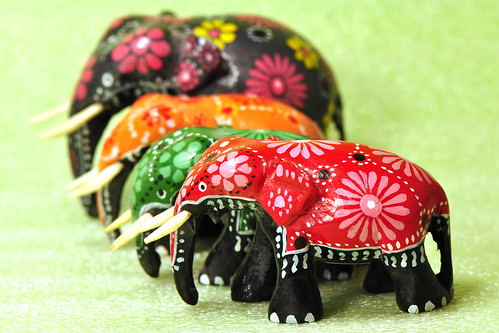 Makro Makrofotografie Fotografie Indoor-Fotographie Schlechtwetter-Indoorfotografie Januar 2016 Brigitte Stolle Mannheim Elefant Elefanten Glückselefant bunt bemalt Holz Hochzeitselefant