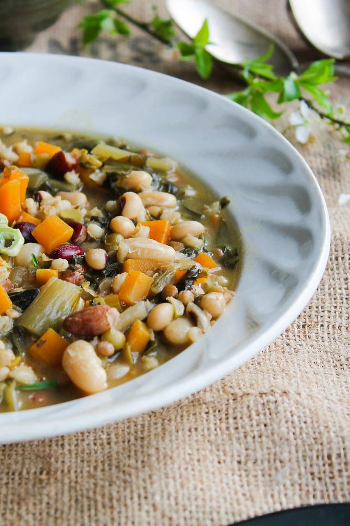 Soupe de haricots et cicoria {vegan}